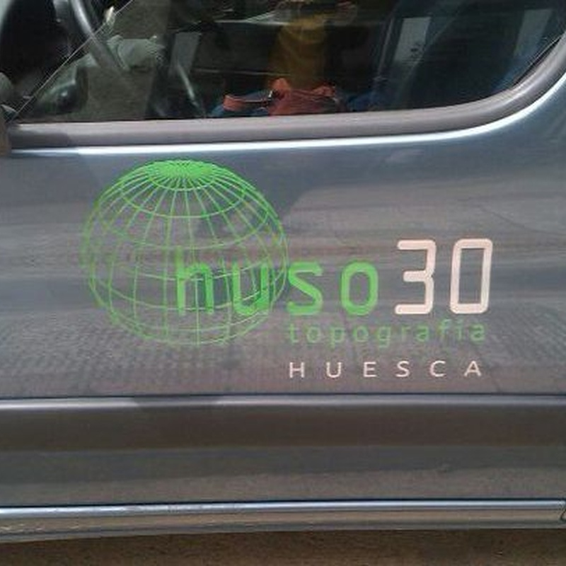 NO COBRAMOS DESPLAZAMIENTO: Servicios de HUSO 30 TOPOGRAFÍA