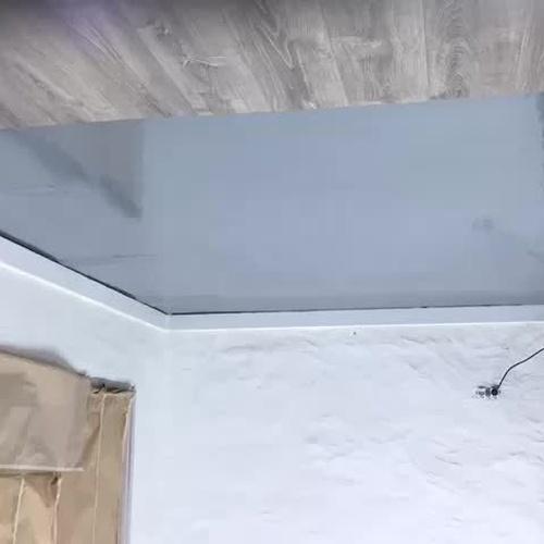 Aplicación pintura epoxi en suelo de tienda
