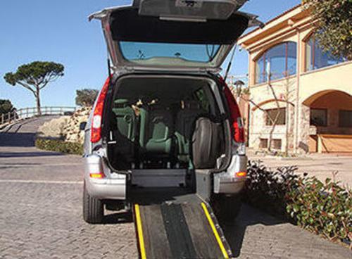 Taxi adaptado a minusválidos en La Garriga