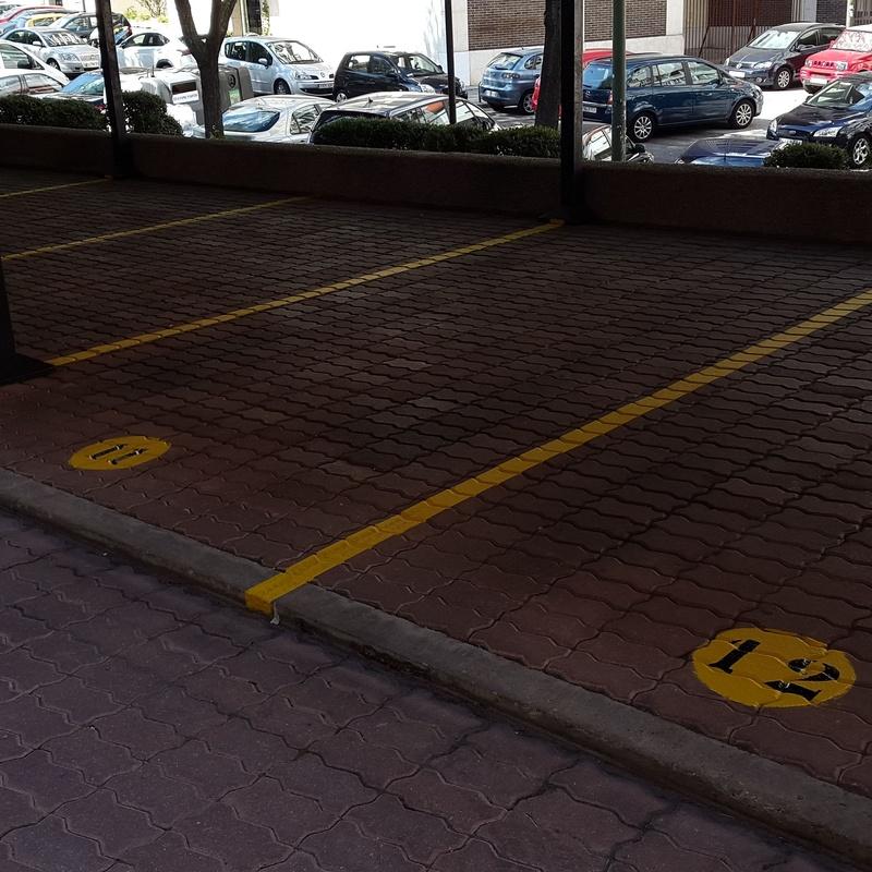 Señalización parking exterior