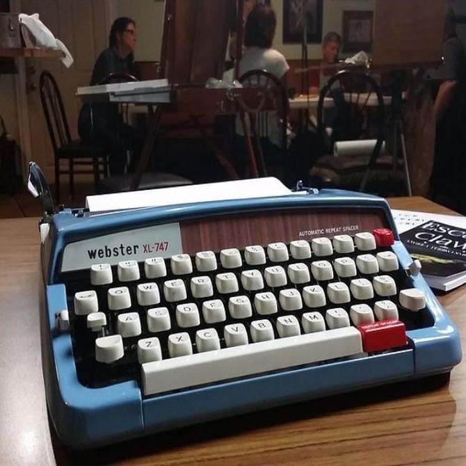 ¿Cómo funciona una máquina de escribir?