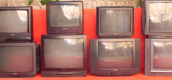TELEVISIONES DE ÉPOCA (VINTAGE) AÑOS 70-80-90-2000: MATERIAL  DE ALQUILER de Ana