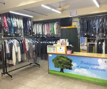 Limpieza y guarda de prendas de temporada