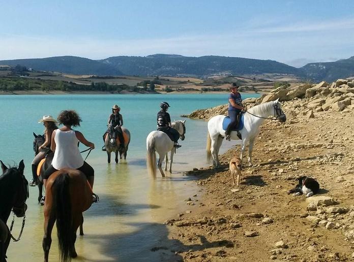 Turismo ecuestre: Servicios de Centro de Equitación y Equinoterapia Biki Blasco
