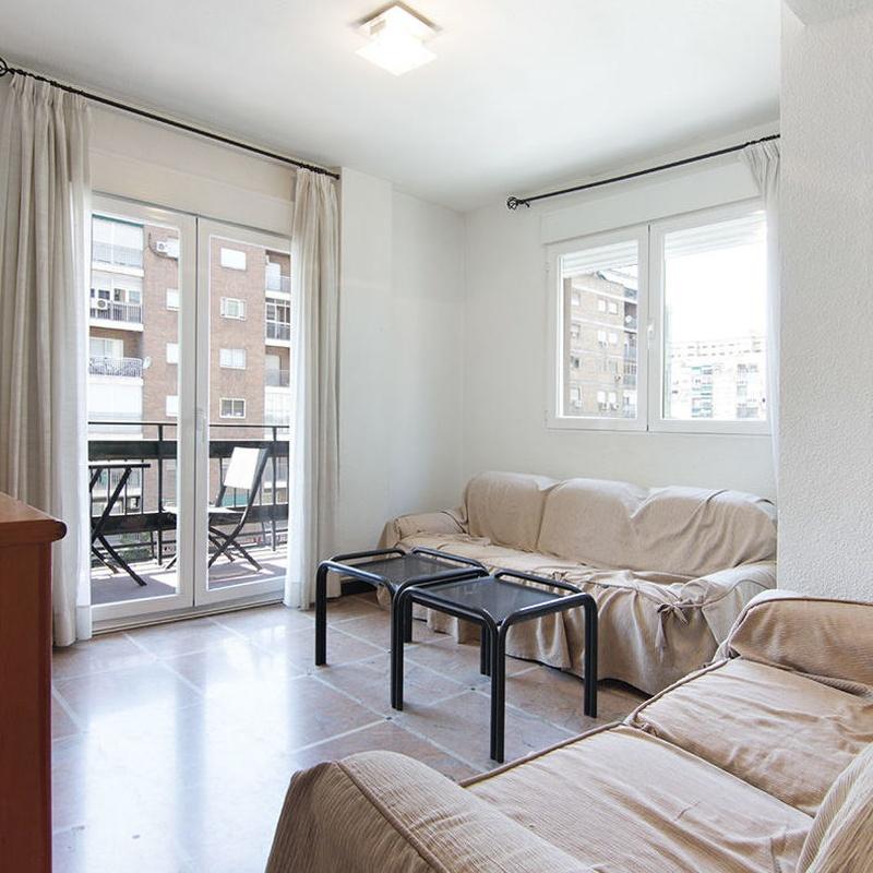 Piso para estudiante, para el proximo curso universitario. 3 dormitorios: Inmuebles de JP Inmobiliaria