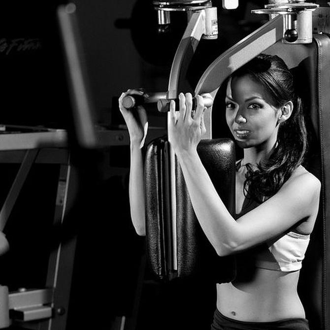La limpieza de las máquinas de los gimnasios