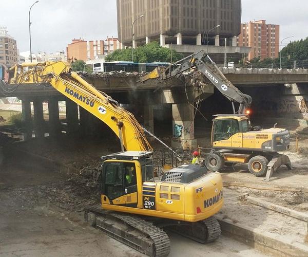 Demolición del puente de Tetuán