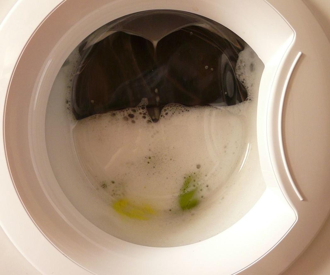 Atascos en tuberías por detergente de la lavadora