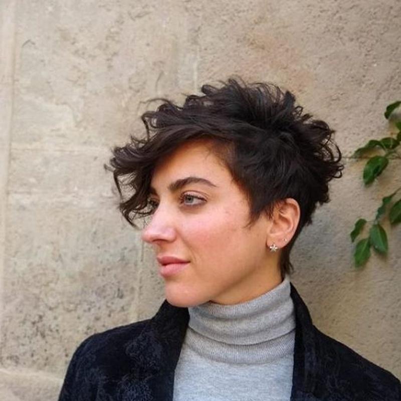 Corte de cabello femenino: Servicios de Macias Hair Studio Poblenou