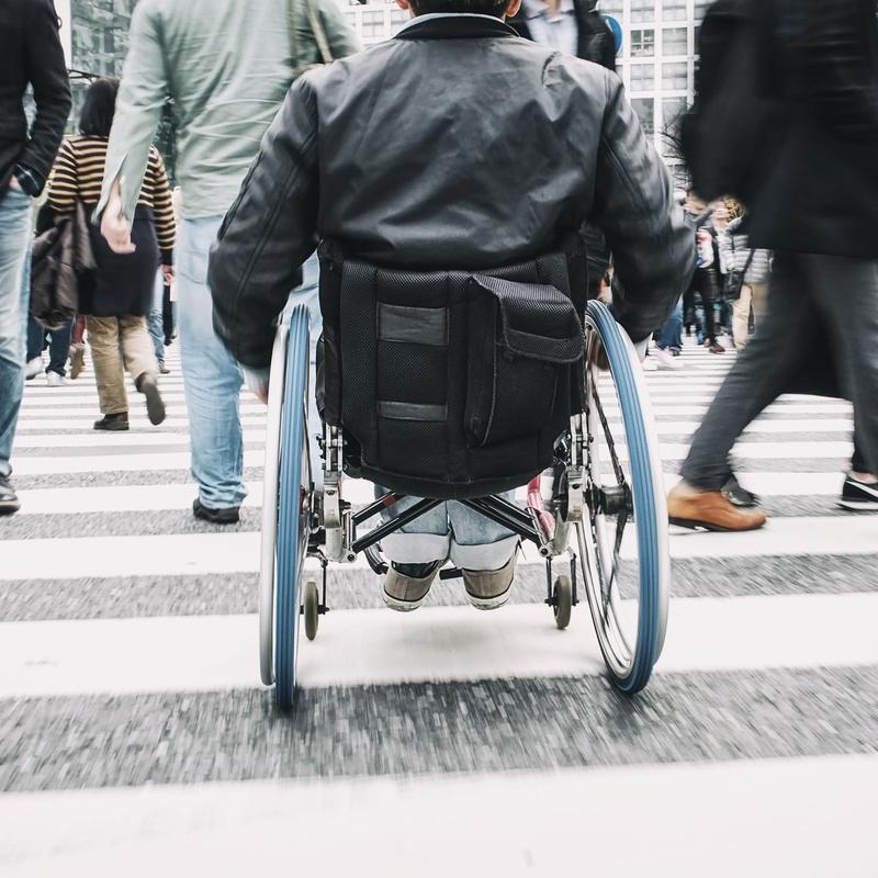 Sillas de ruedas: Farmacia  y Ortopedia de FARMACIA ORTOPEDIA CRISTINA GUMUZIO