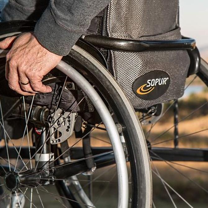 ¿Cómo elegir la silla de ruedas más adecuada?