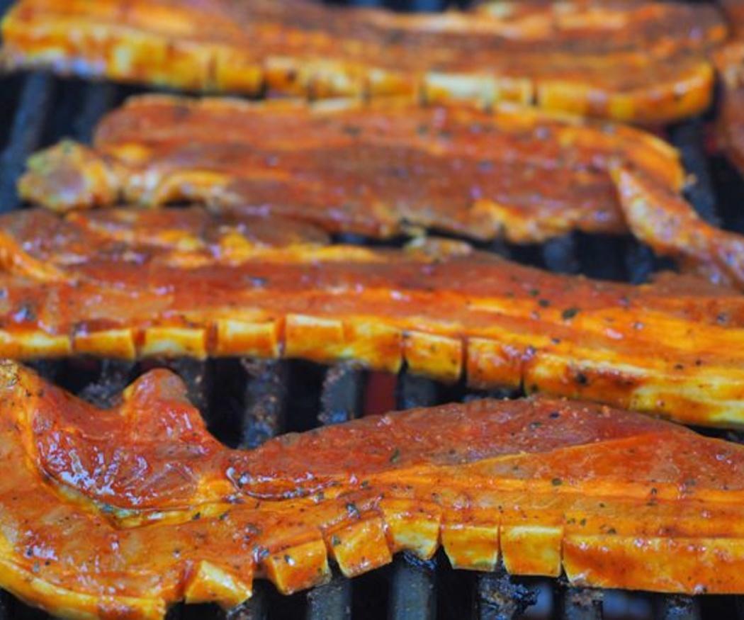 Cómo se debe cocinar la carne a la plancha o a la parrilla