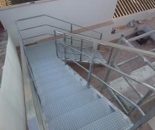 Barandillas y escaleras metálicas