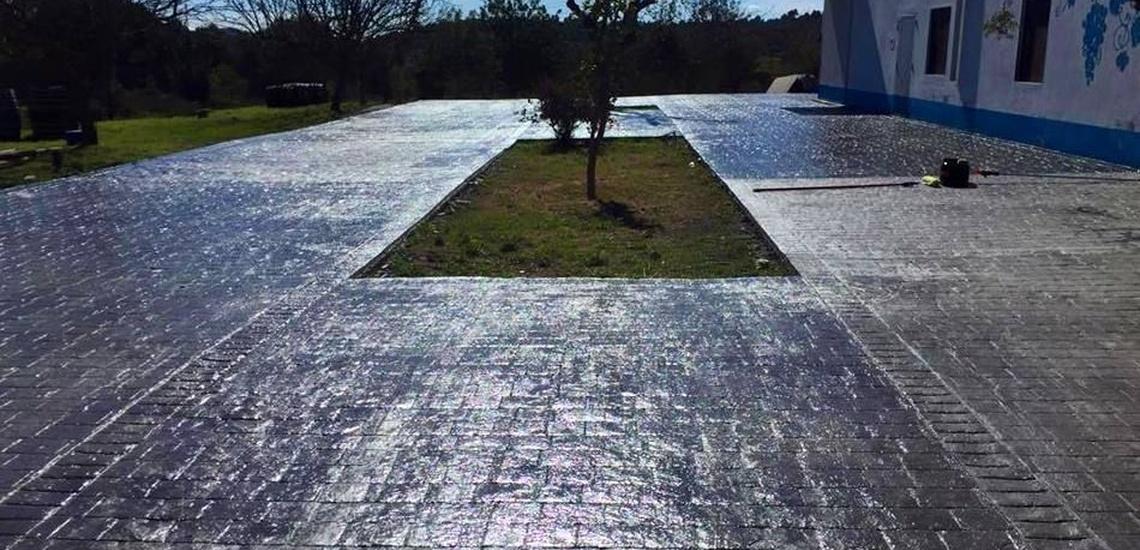 Colocación de pavimentos de hormigón pulido en Formentera