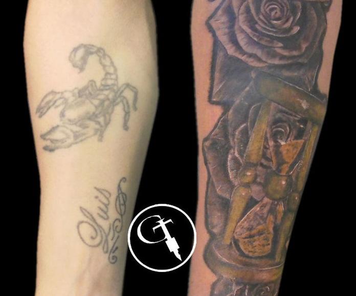 Tapado con rosas y reloj de arena