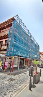 Andamio multidireccional para rehabilitación de fachada. Calle Santo Domingo. Puerto de la Cruz.