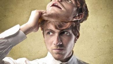 10 tipos de narcisismo: Las diferentes caras de las personas narcisistas