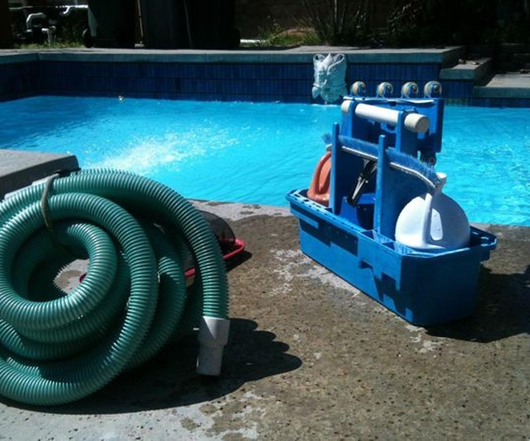 Productos básicos en el mantenimiento de piscinas