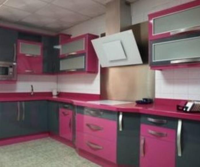 Exposición: Servicios de Durán Cocinas y Complementos, S.L.U.