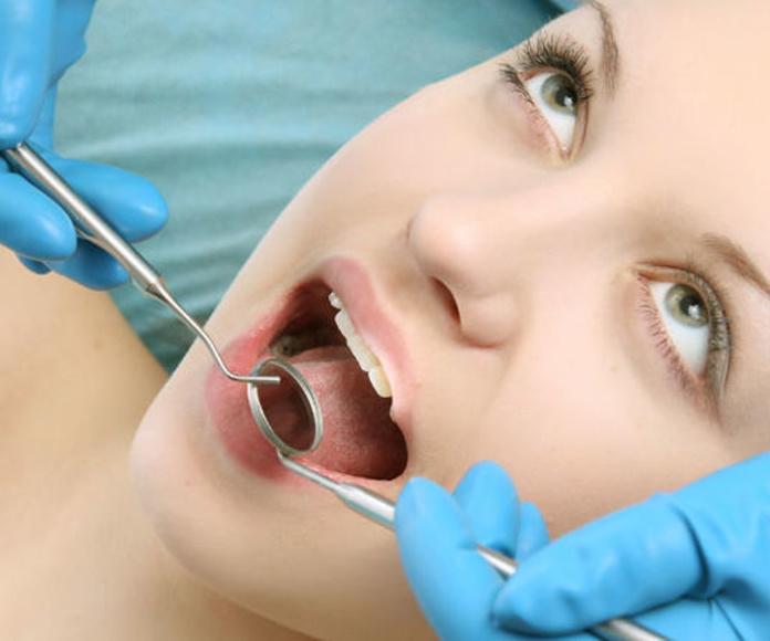 Cirugía Bucal Velilla de San Antonio