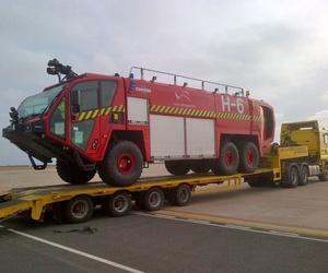 Transporte de vehículo de bomberos en Fuerteventura