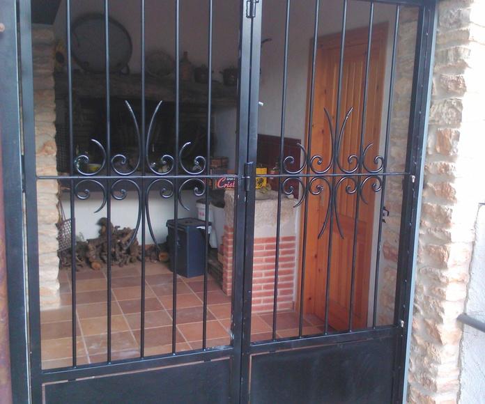 Forja Pérez. Puerta reja de forja.