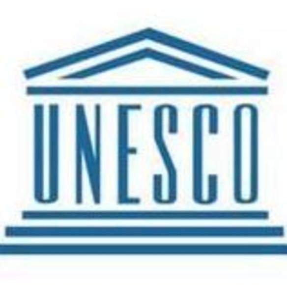 Dentista de Cádiz Javier Pérez con la UNESCO