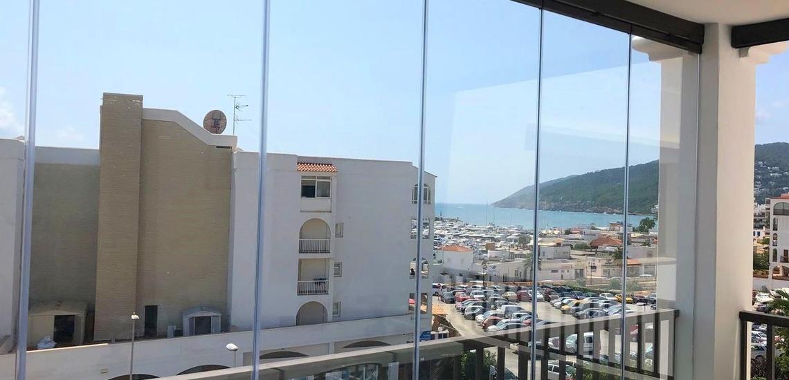 Instalación de ventanas de aluminio en Ibiza con perfecto aislameinto