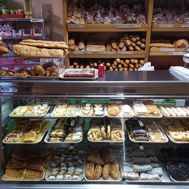 Panadería: Productos y servicios de Panadería Pastelería Lázaro Petisme