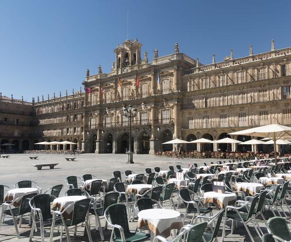 Conoce la Plaza de España de Salamanca con Viajes y visitas en Madrid