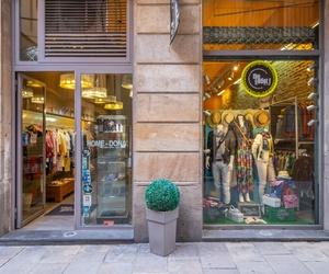 Tienda de moda para hombre y mujer en Barelona