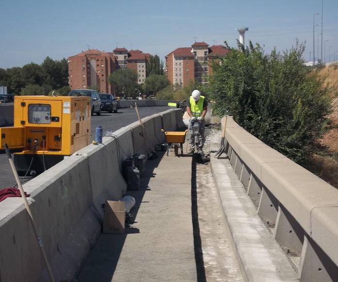 Rigidización de alero de tablero para recibido de nuevas defensas. Alcalá de Henares (Madrid)