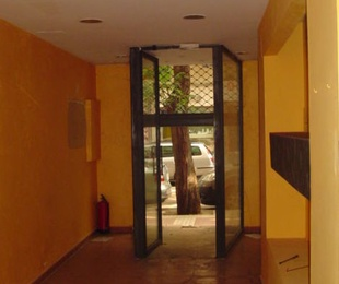 Las Fuentes, calle Monasterio de Siresa, local 60 mts de Entidad Bancaria