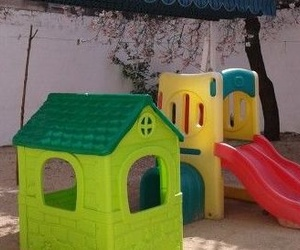 Zona de juegos en patio interor