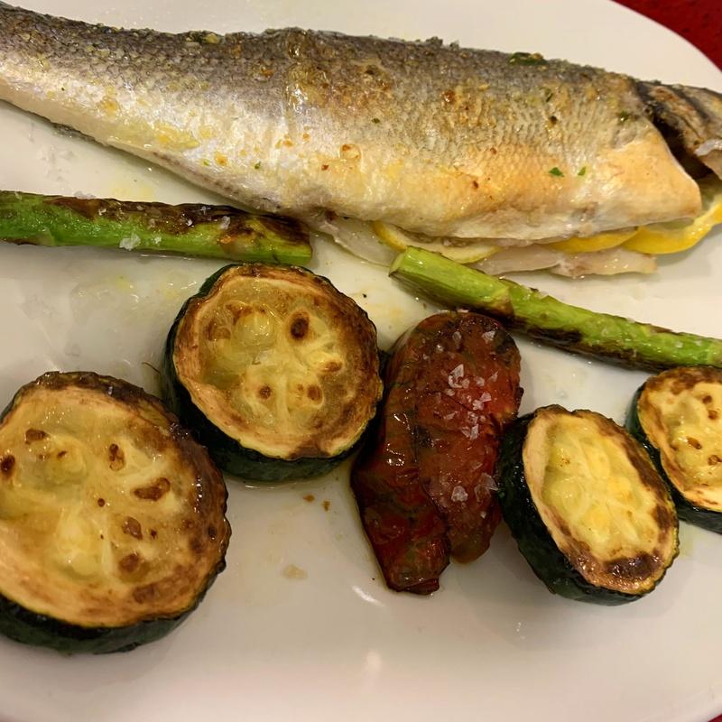 Pescado en las tablas, restaurante Doña Elena