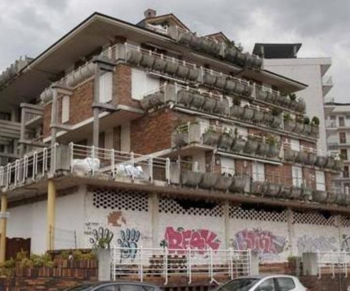 Los trabajos de demolición parcial del edificio están paralizados desde hace más de un mes