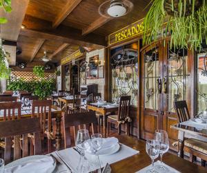 Restaurante con amplia terraza