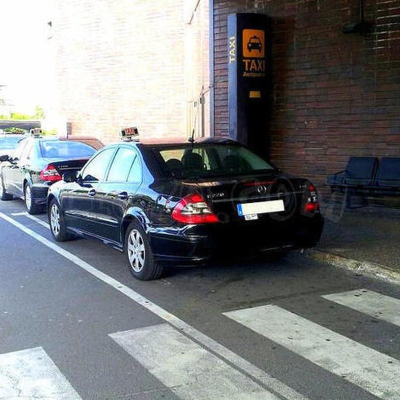 Aeropuerto o estación de tren: Servicios  de Taxi Mercedes Hondarribia
