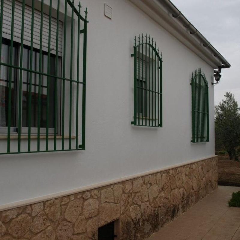 Chalets en venta  140.000€: Compra y alquiler de Servicasa Servicios Inmobiliarios
