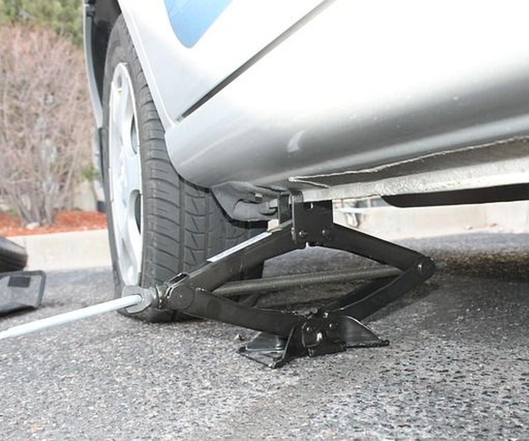 ¿Se debe llevar una rueda de repuesto?