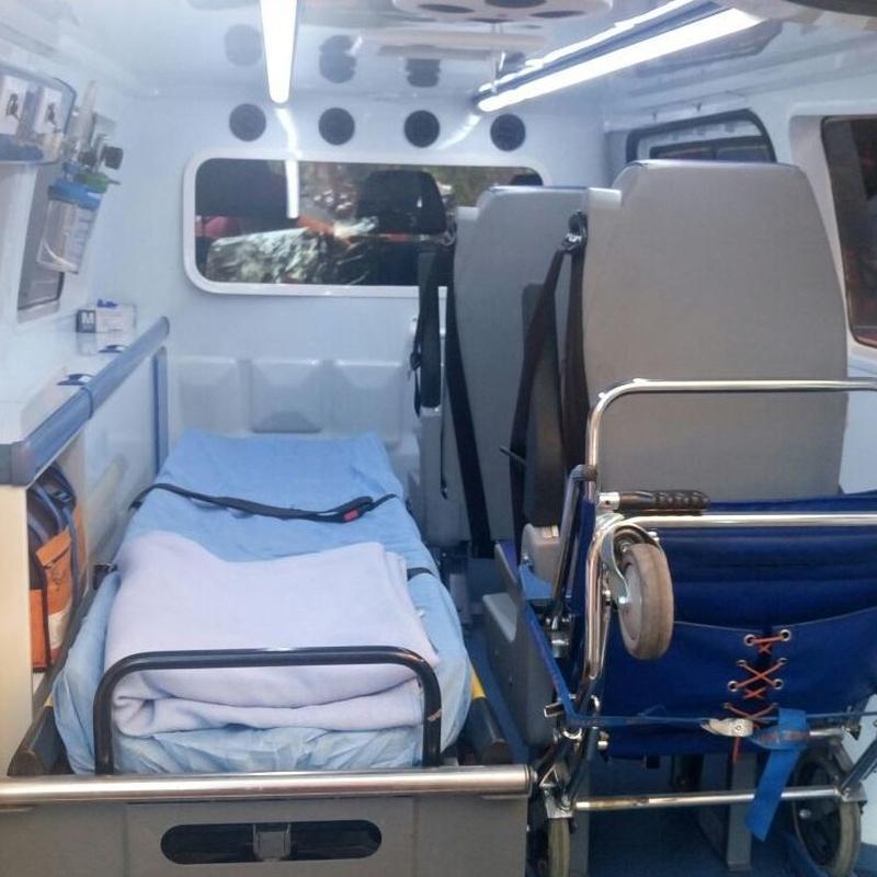 Interior ambulancia tipo A1. Vehículo MERCEDES BENZ. Excelente amortiguación y climatización. Ideal para traslados de largo recorrido.