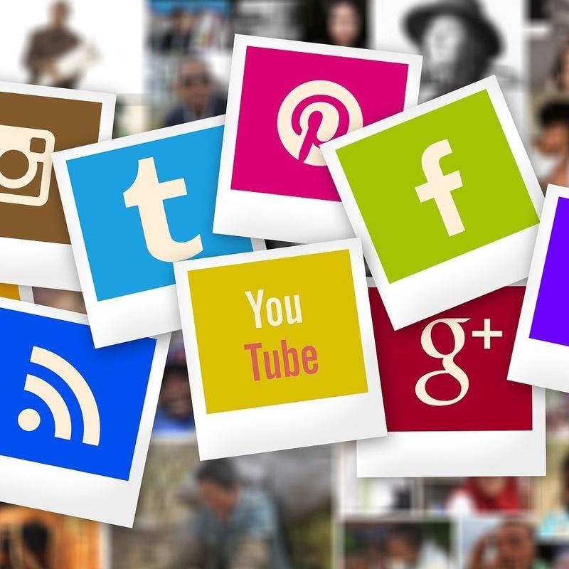 Redes Sociales: Carta de Restaurante Arànega