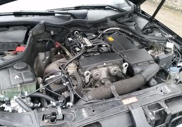 Mercedes C180k