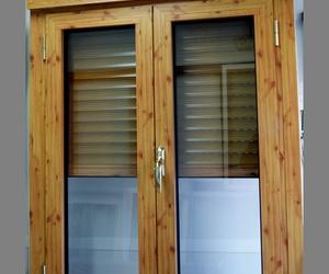 Ventana imitación madera Zaragoza