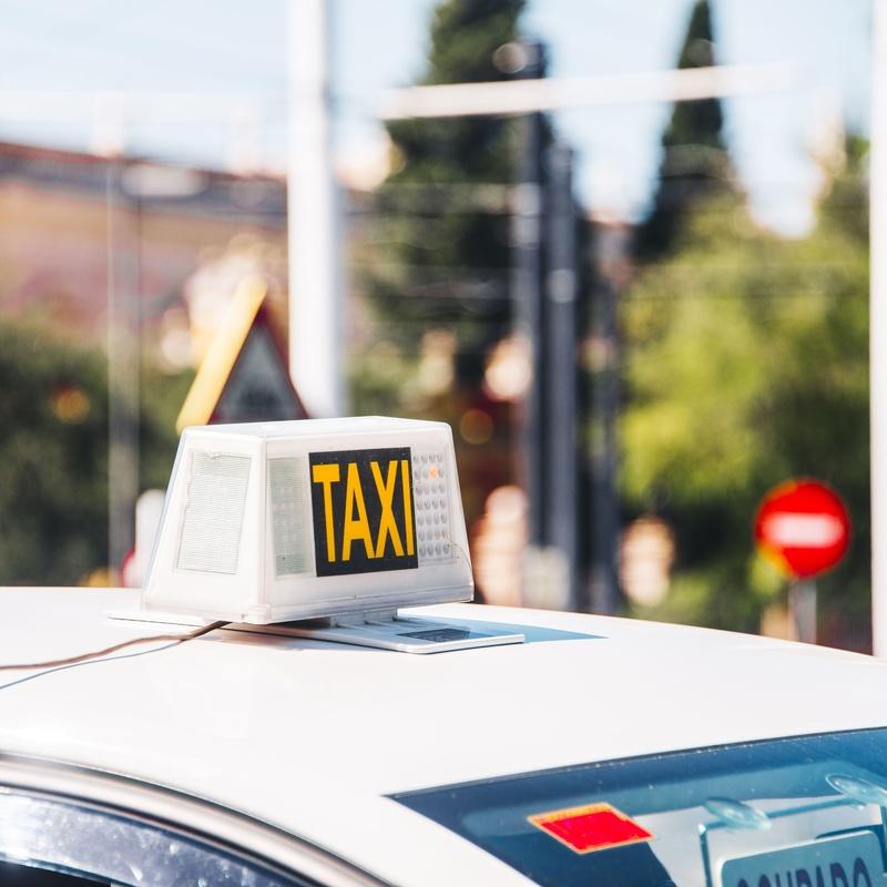 Aeropuerto Girona: Servicios de Taxi Josep Camprubí