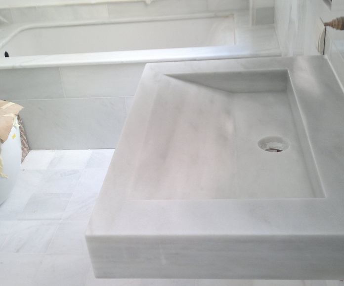 Encimeras de baño: Catálogo y exposición de Alcomármol