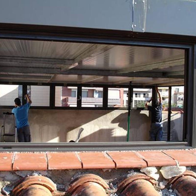 Techos y paredes de aluminio: Servicios de Cristalería Rosellón