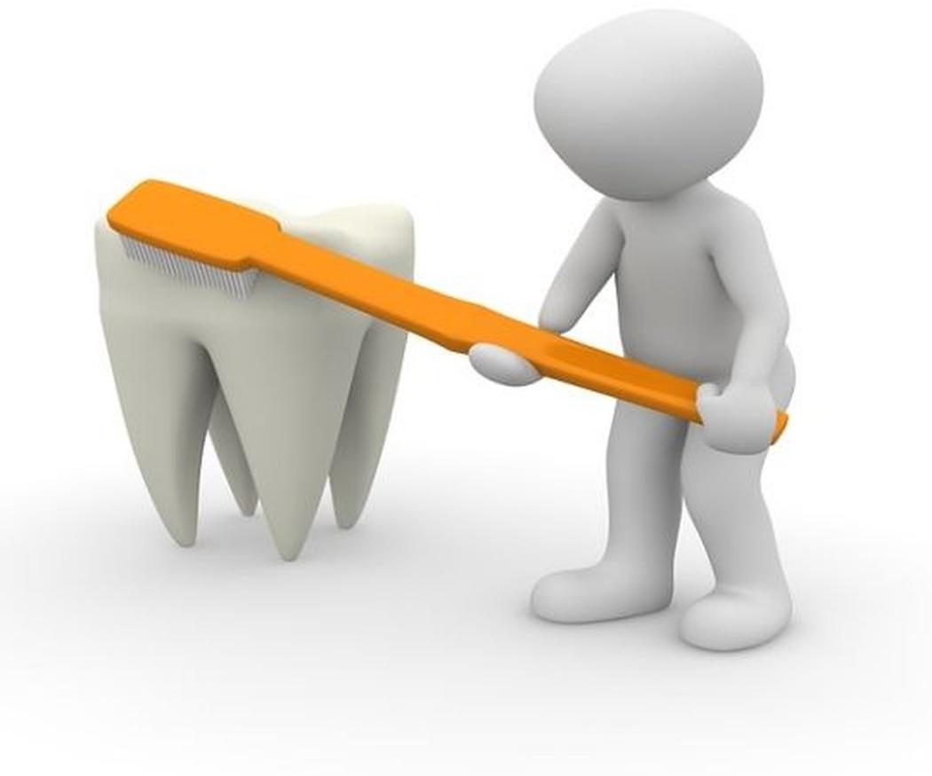 Limpiar los dientes con ortodoncia
