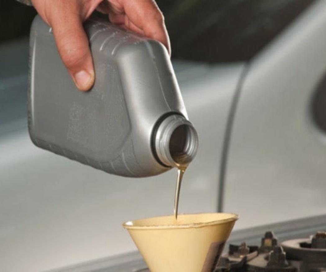 Los tipos de aceite para el coche: ¿cómo elegir? (I)