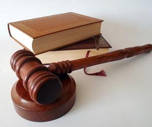 ¿Cómo se realiza la contratación temporal dentro de la ley?